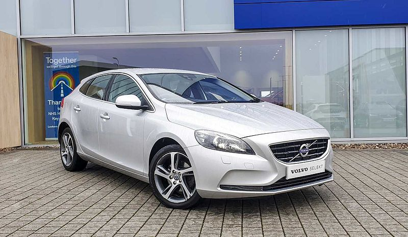 Volvo V40 D2 SE Lux (Winter Pack, 17' Alloy Wheels, Cruise Control)